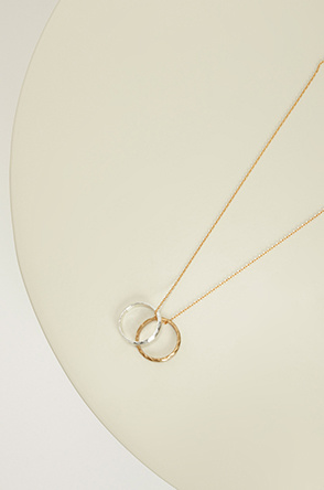 Double ring necklace