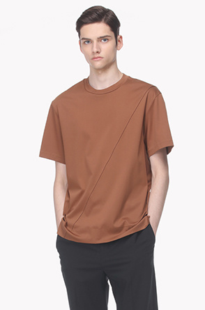 Diagonal seam detail T shirt