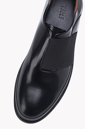 Patent leather strap buck shoes