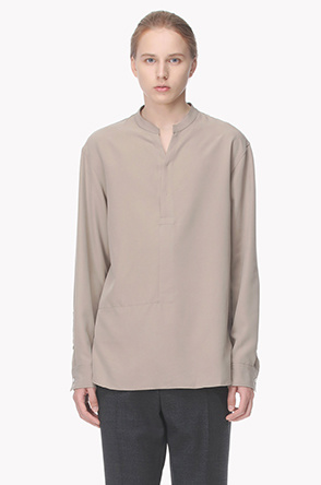 Notch neck stand collar shirt