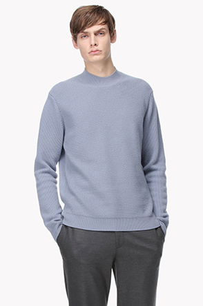 Cashemere high neck knit sweater