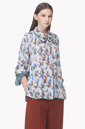 String collar print silk blouse