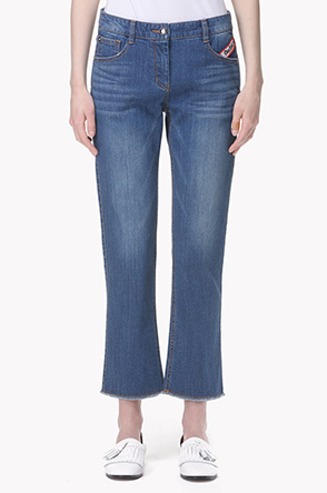 Semi flare washed jeans
