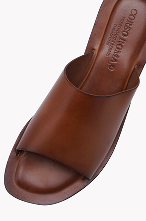 Cowhide leather slippers