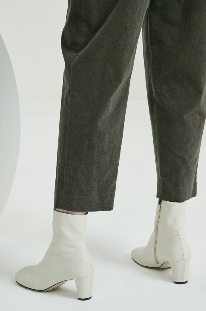 Belted corduroy pants