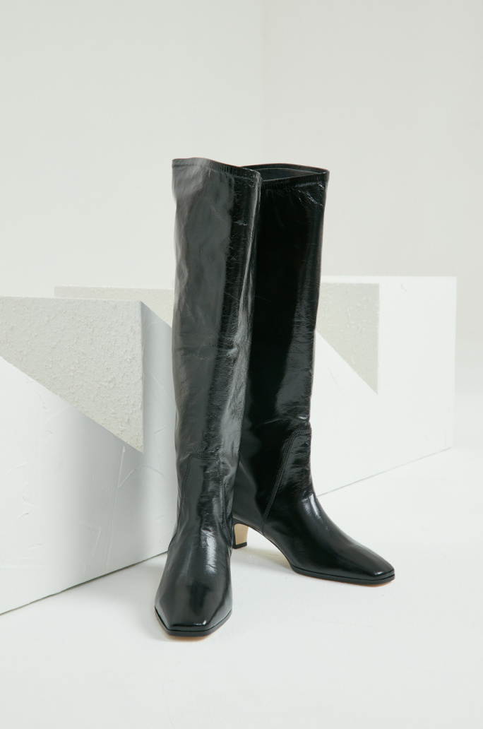 Square toe long boots
