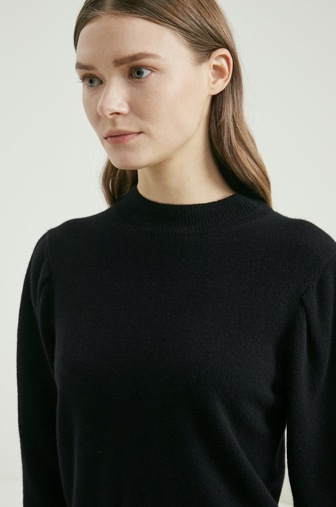 Detachable collar cashmere sweater