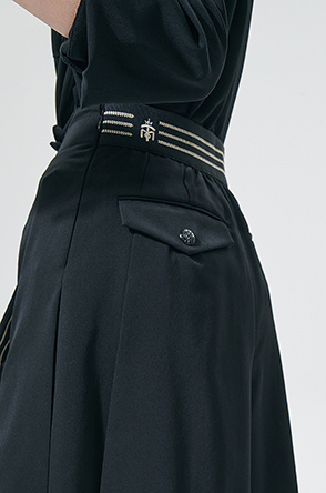 pleated culottes shorts