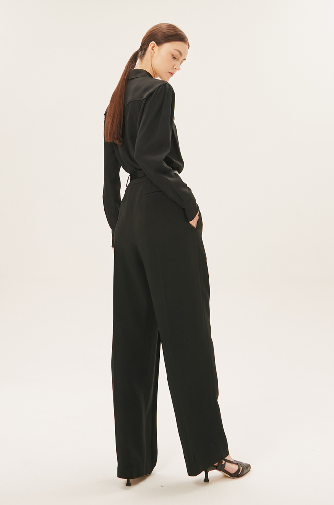 belted two-tuck pants