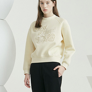 Embroidery & patch sweatshirt