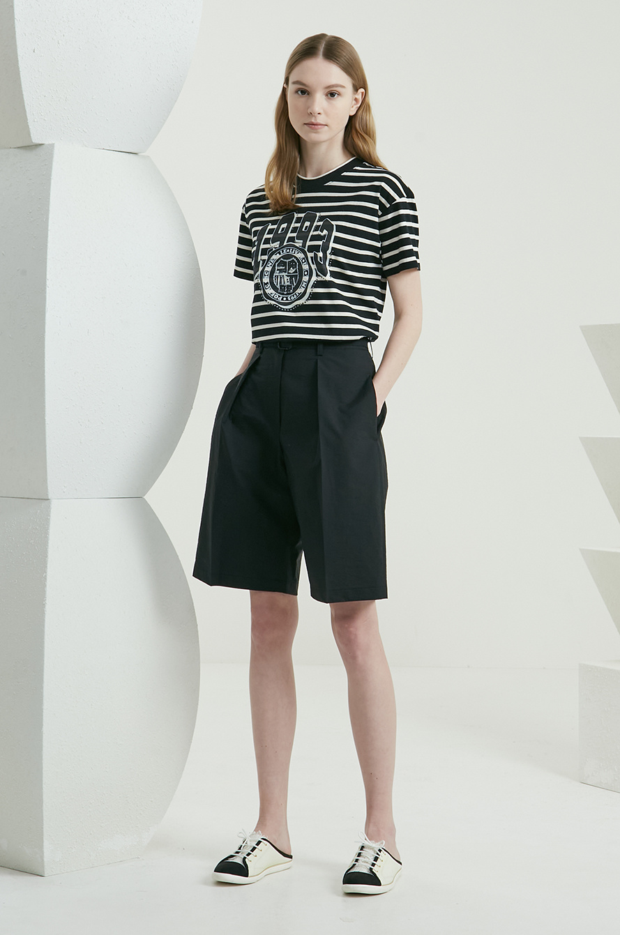 Belted one tuck shorts