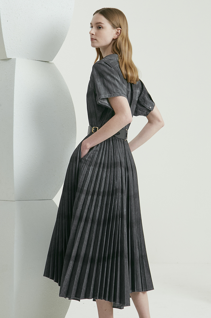 Belted pleats dress