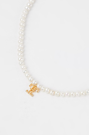 Logo pearl necklace