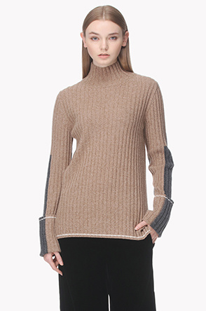 Lambswool blend two tone sleeve knit sweater
