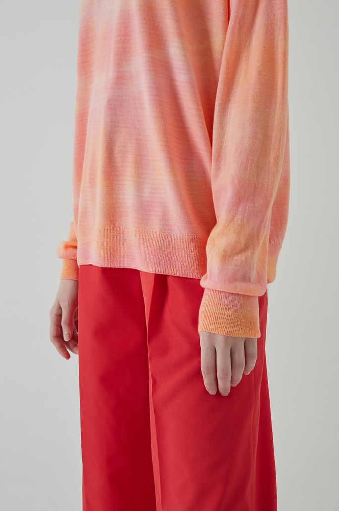 Color dying wool knit top