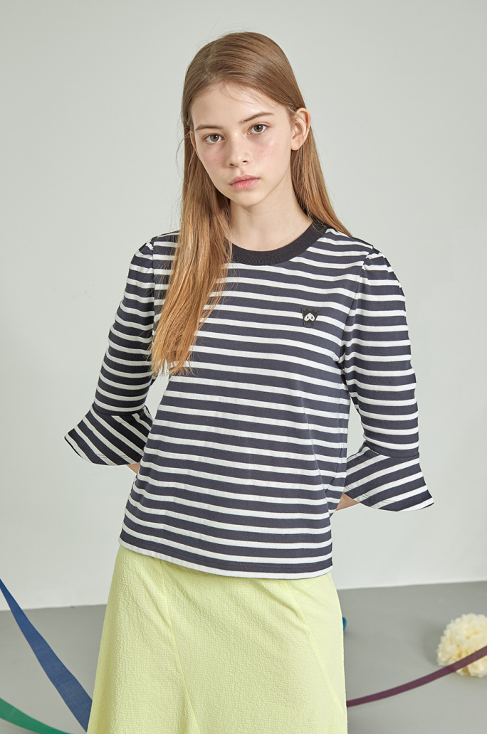 Bell sleeve stripe t-shirt