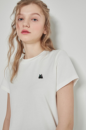 Embroidery patch t-shirt