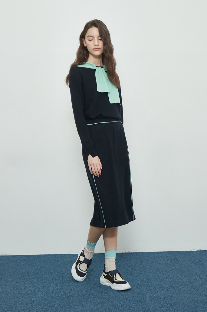 Color line knit skirt