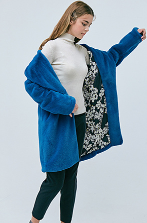 Faux fur floral pattern lining coat
