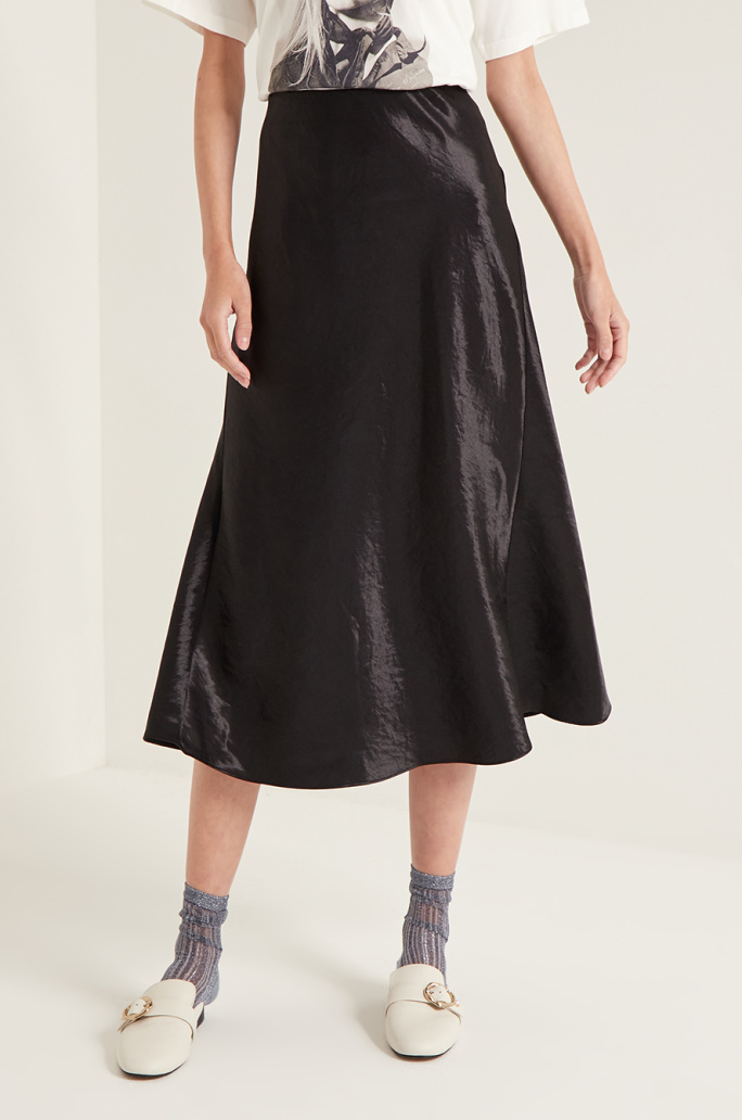 Banding satin skirt
