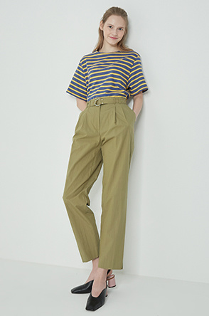 Belted two tuck pants