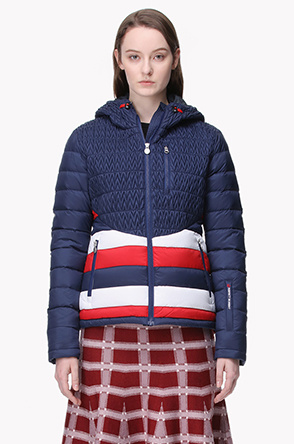 [PERFECT MOMENT] Quilting hood goose down ski jumper